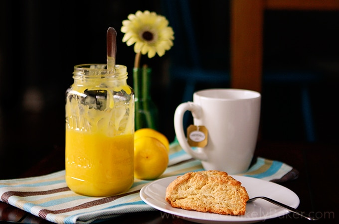 Lemon-Curd-with-Scones