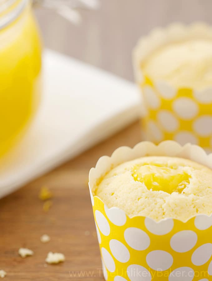 Limoncello Cupcake with Lemon Curd
