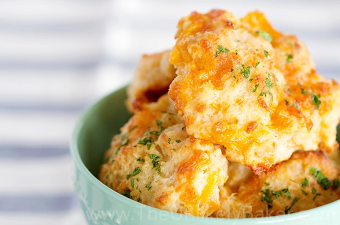 Easy Cheddar Biscuits