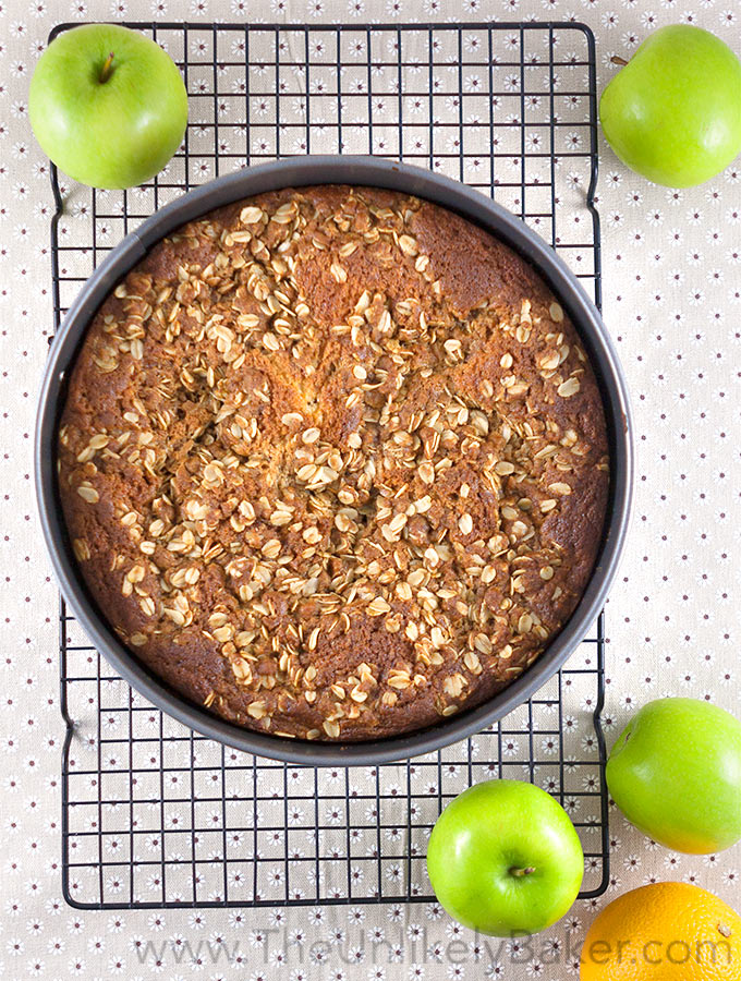 Apple Crumble Coffee Cake
