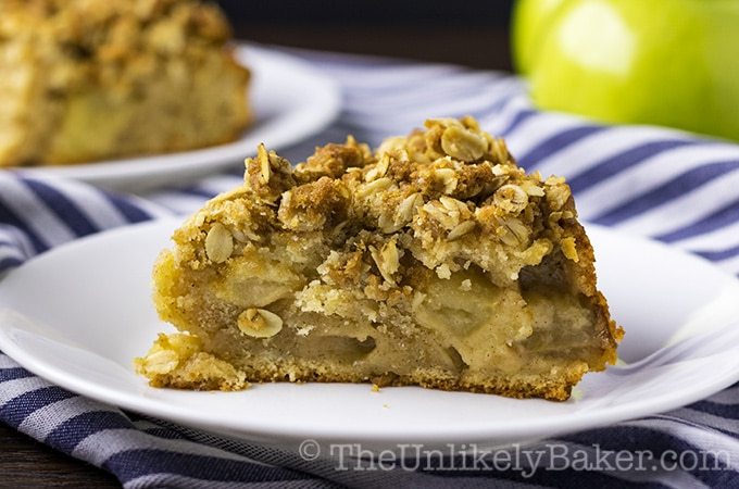 Apple Crumble Coffee Cake (with video)