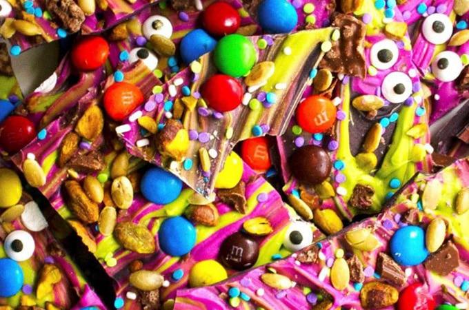 5-monster-mash-halloween-candy-bark8-3-682x1024