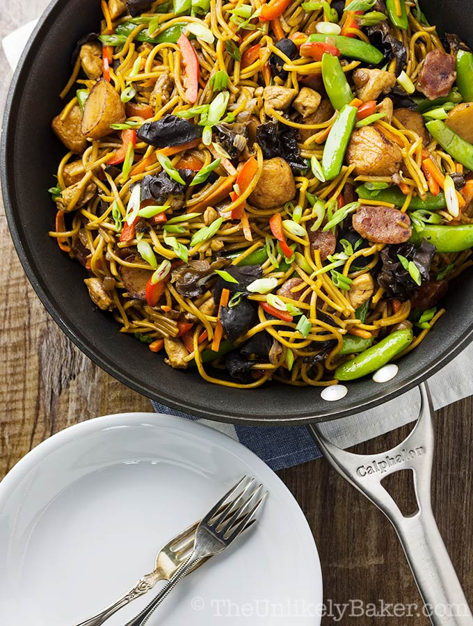 Pancit Canton Recipe (Filipino Stir-Fried Noodles)