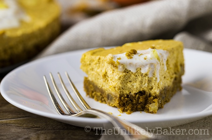 No-Bake Pumpkin Cheesecake with Gingersnap Crust