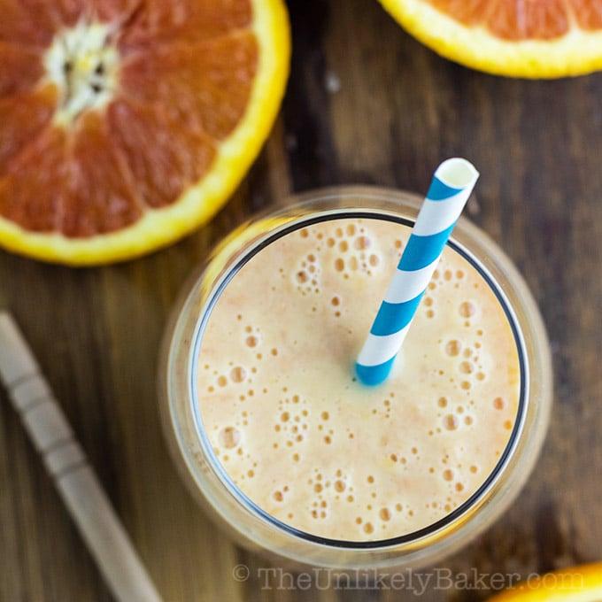 Orange Smoothie with Bananas and Yogurt