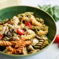 Easy Kale Pesto Chicken Alfredo Pasta