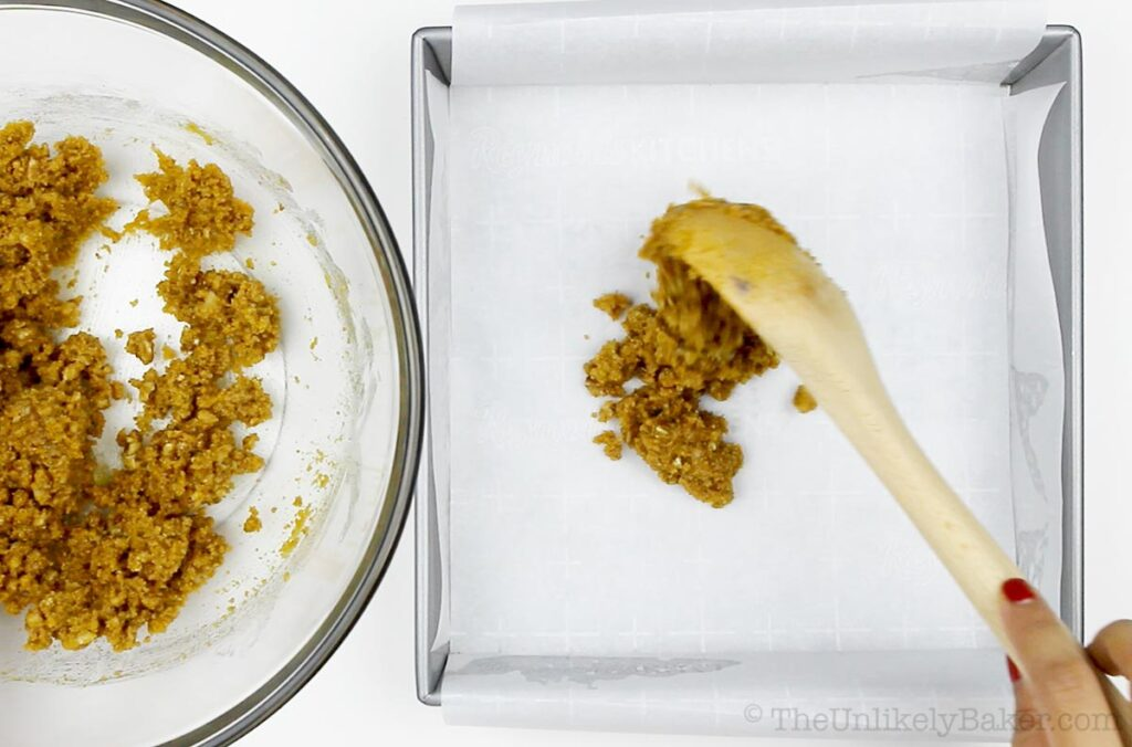How to Make Pecan Pie Cheesecake Bars
