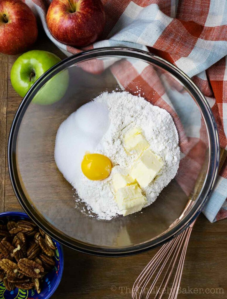 Apple Cheesecake Shortbread Crust
