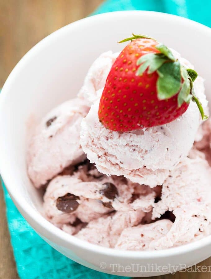 Strawberry chocolate ice cream in a bowl