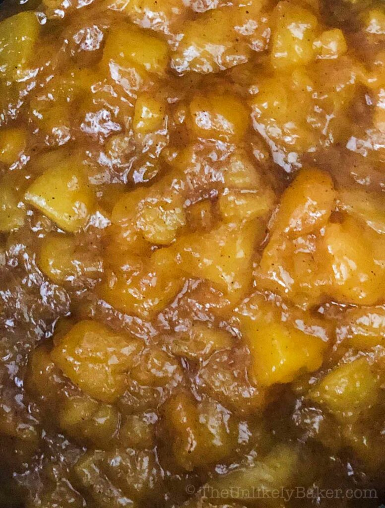 Peach and mango pie filling