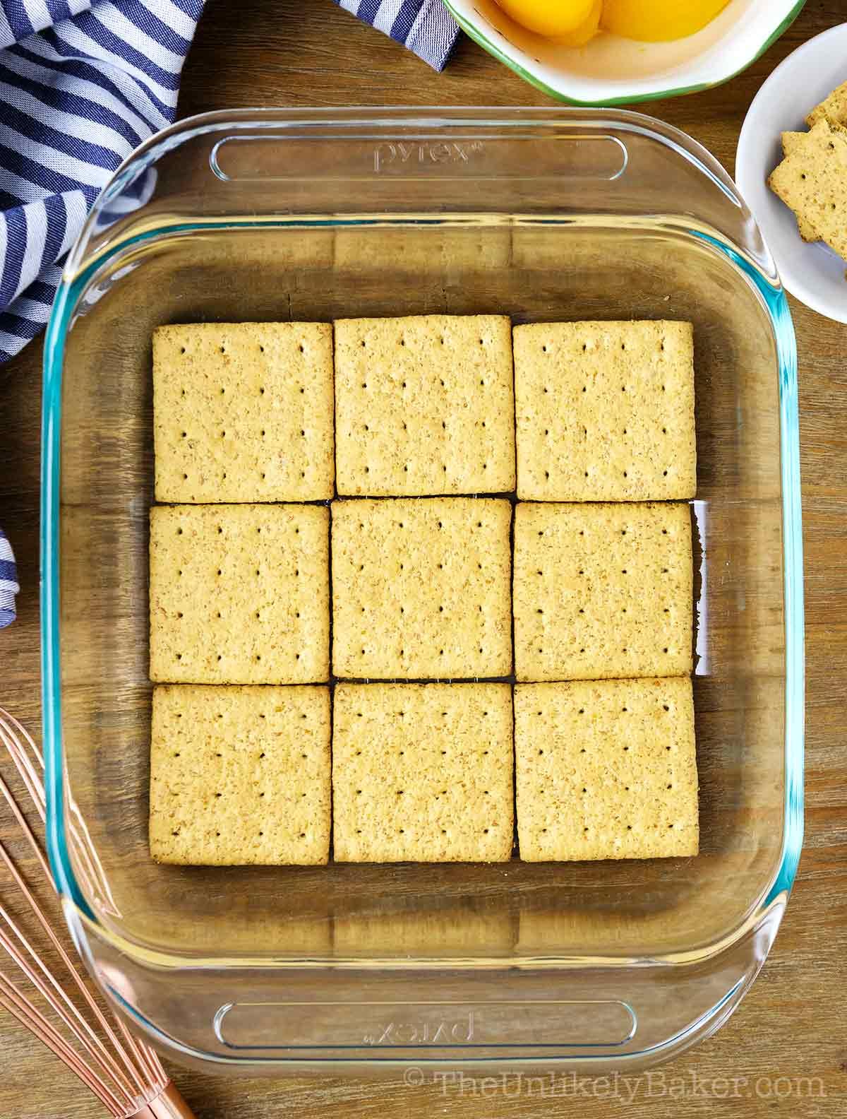 graham cracker bottom layer